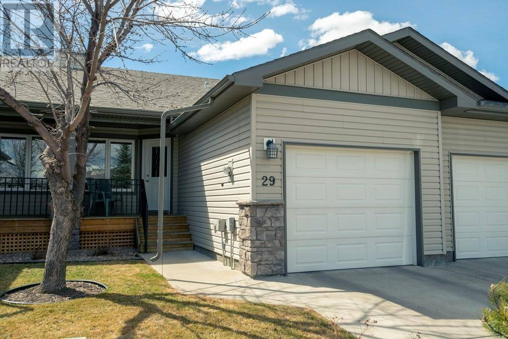 Townhouse for sale at 284 Cougar Wy N Unit 29 Lethbridge Alberta - MLS: ld0189528