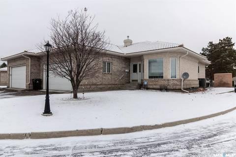 Townhouse for sale at 315 Bayview Cres Unit 29 Saskatoon Saskatchewan - MLS: SK799020