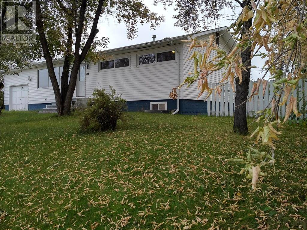 29 Biggs Avenue, Fort Mcmurray | Image 1