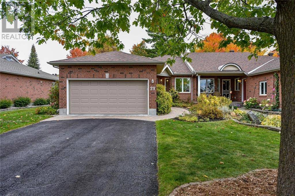 Townhouse for sale at 29 Bunting Ln Ottawa Ontario - MLS: 1172855