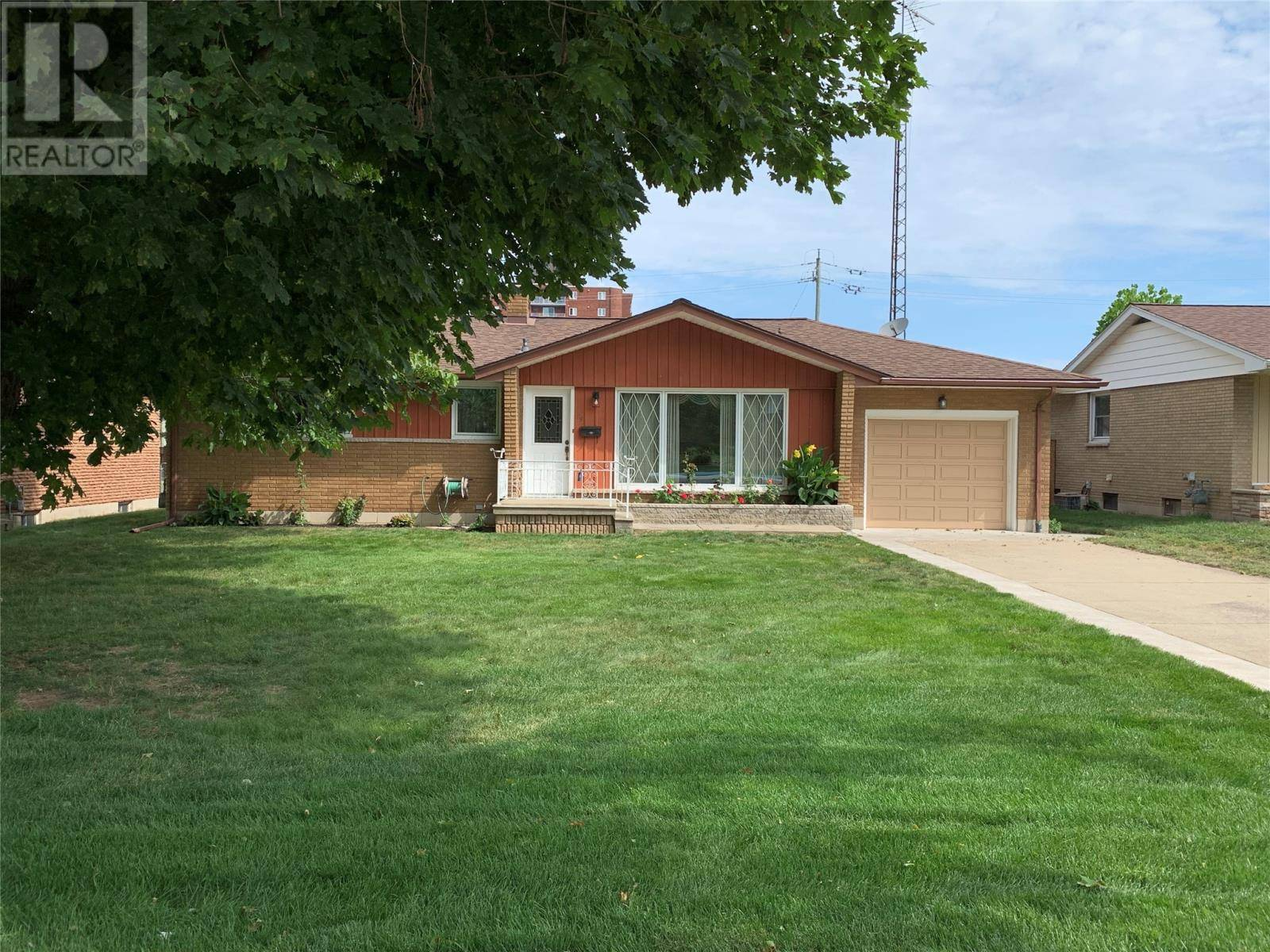 House for sale at 29 Coronation  Leamington Ontario - MLS: 19023645