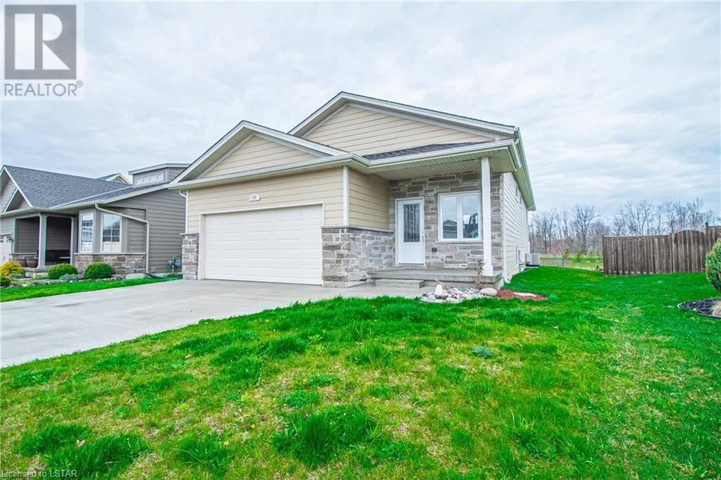 House for sale at 29 Deerfield Rd Grand Bend Ontario - MLS: 256930