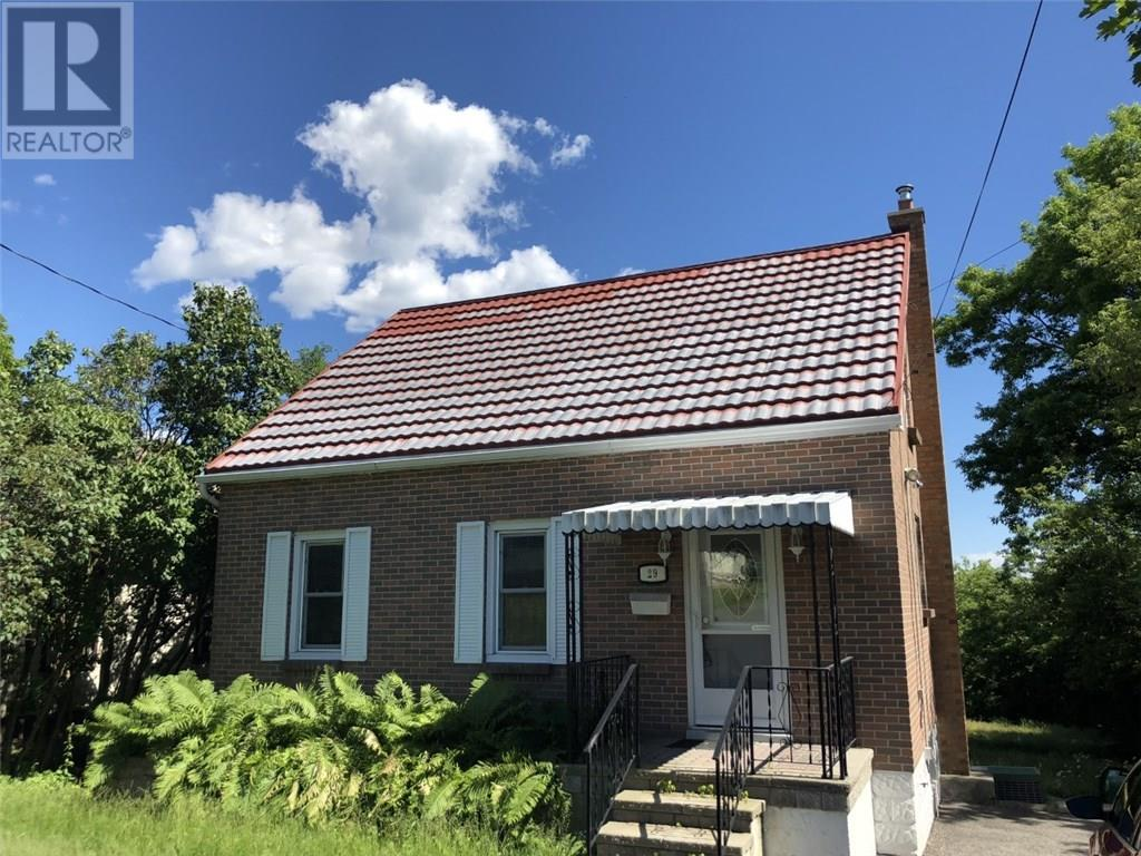 For Rent: 29 Donald Street, Belleville, ON | 3 Bed, 1 Bath House for $0. See 5 photos!