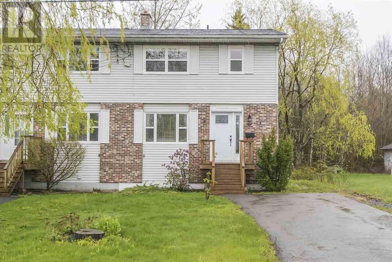 House for sale at 29 First St Middle Sackville Nova Scotia - MLS: 202015321