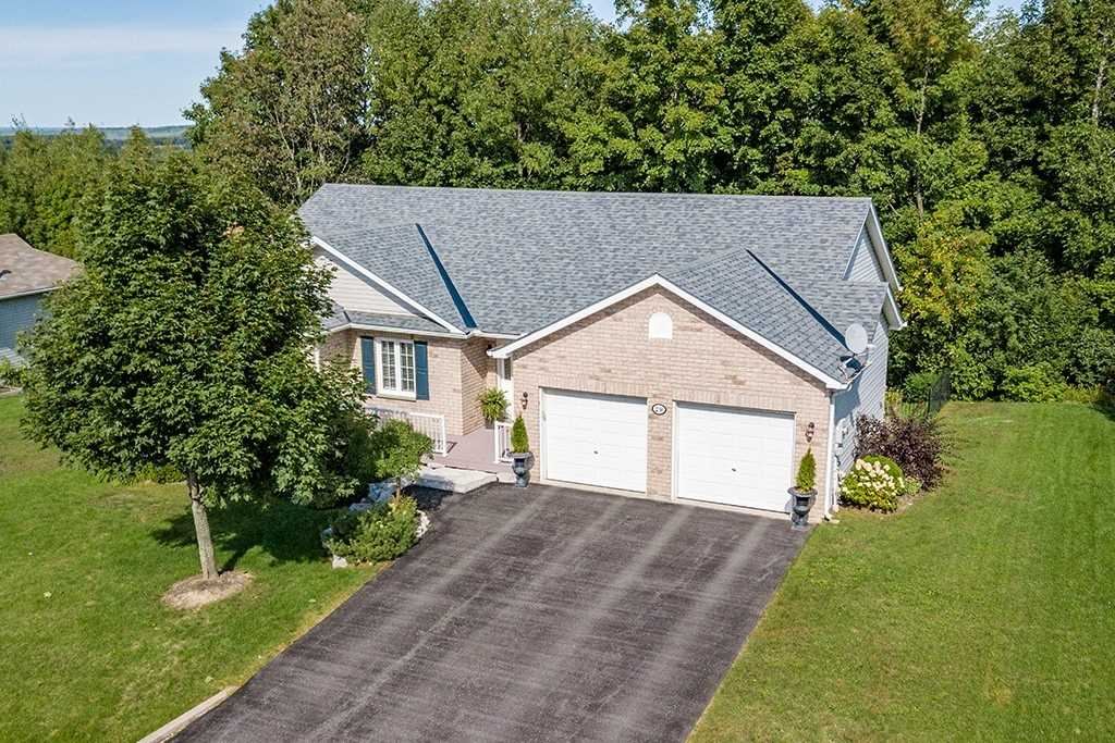 For Sale: 29 Ironwood Trail, Oro Medonte, ON | 2 Bed, 3 Bath House for $609900.00. See 17 photos!