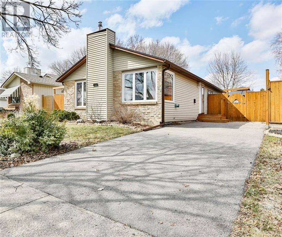 House for sale at 29 Kanata Cres Brantford Ontario - MLS: 30800188