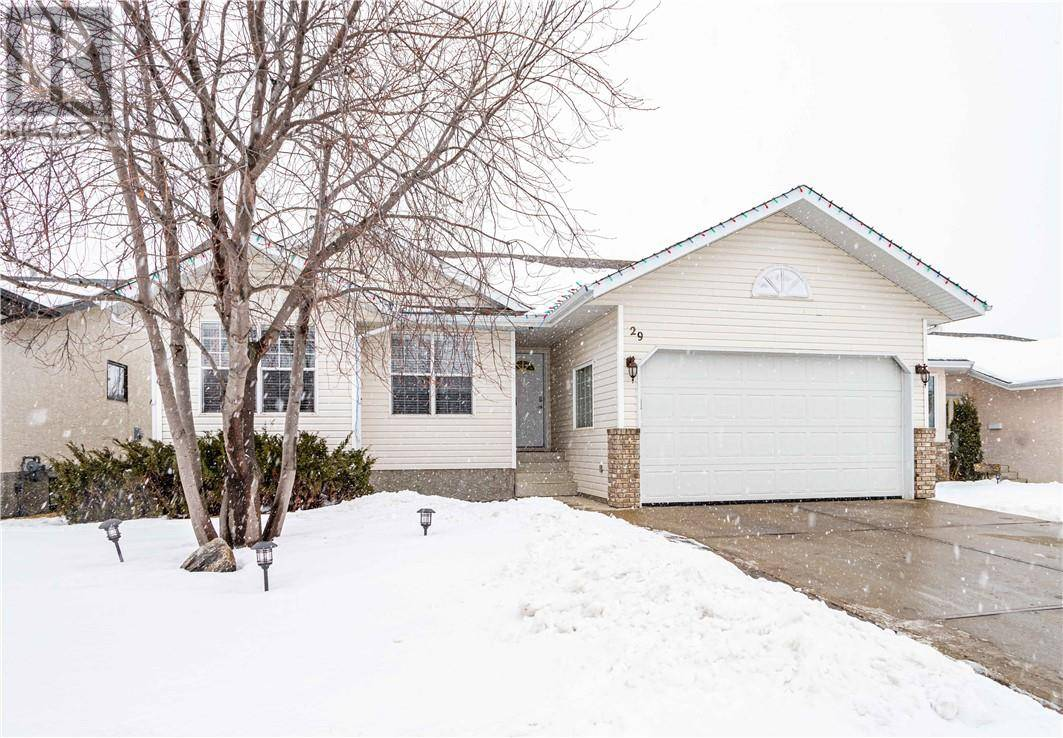 29 Lawrence Crescent, Red Deer | Image 1