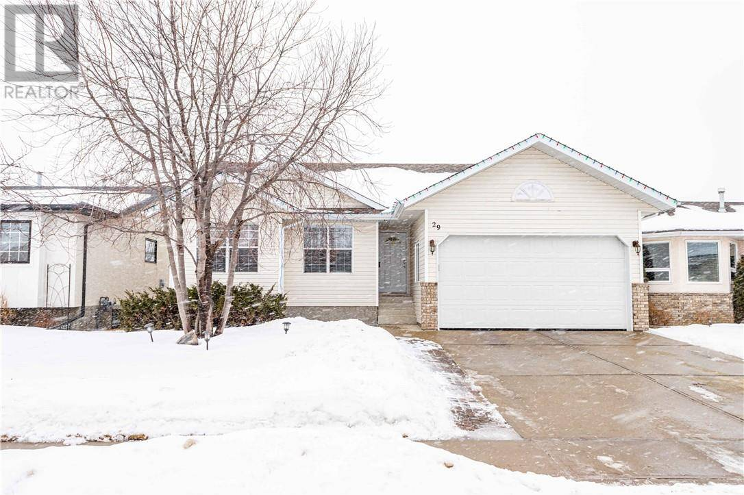 29 Lawrence Crescent, Red Deer | Image 2