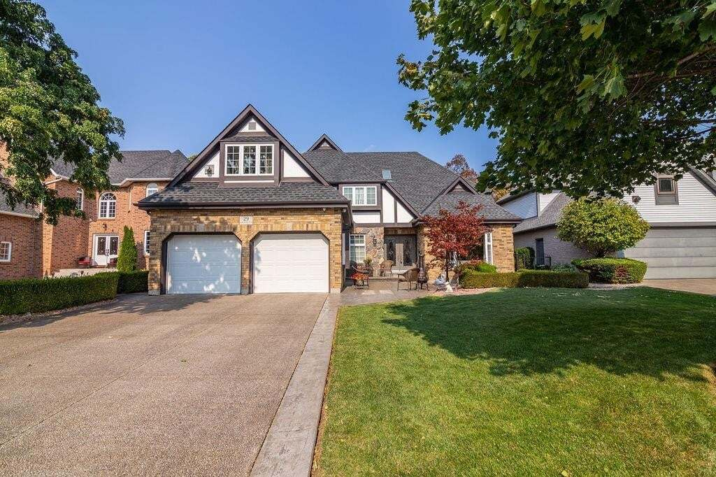 House for sale at 29 Parkmanor Dr Stoney Creek Ontario - MLS: H4090301