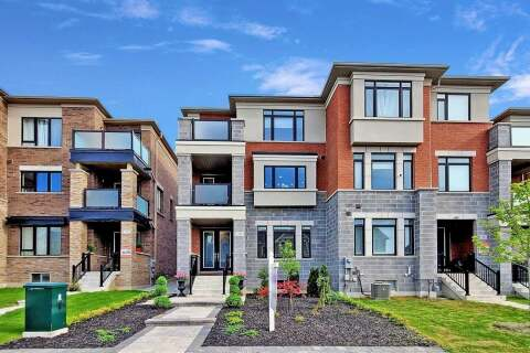 Townhouse for sale at 29 Sparks St Aurora Ontario - MLS: N4811746
