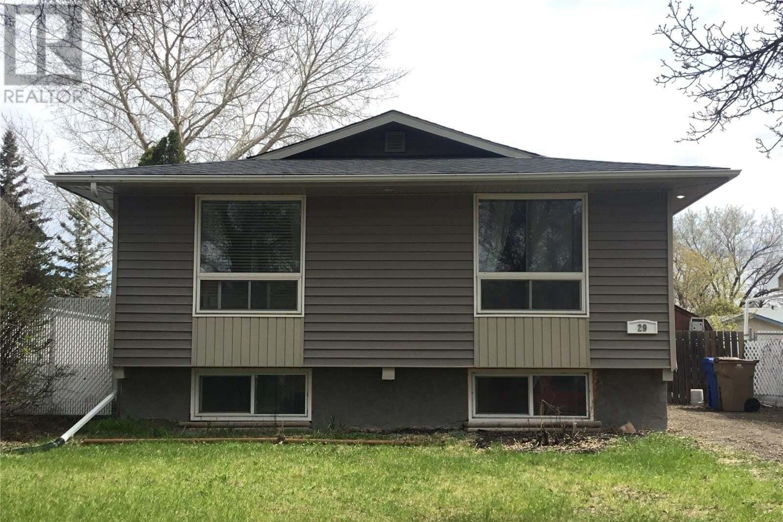 House for sale at 29 Willowview St Regina Saskatchewan - MLS: SK814688