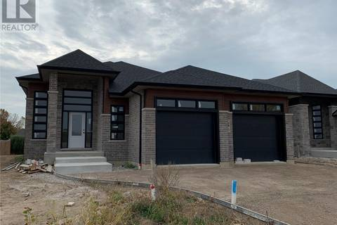House for sale at 29 Woodland  Kingsville Ontario - MLS: 18002019