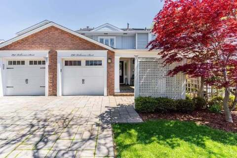 Townhouse for sale at 290 Robinson St Oakville Ontario - MLS: W4774295