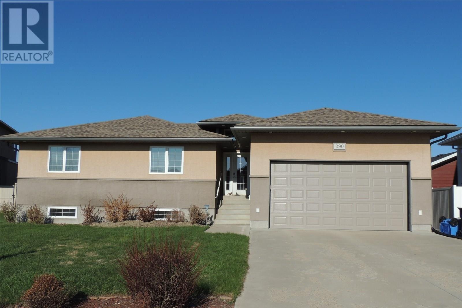 House for sale at 290 Symons By Estevan Saskatchewan - MLS: SK833576