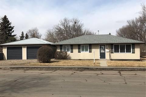 House for sale at 2900 4th Ave N Regina Saskatchewan - MLS: SK798776