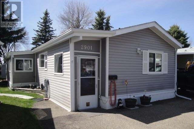 Home for sale at 2901 29 Ave Lethbridge Alberta - MLS: LD0188673