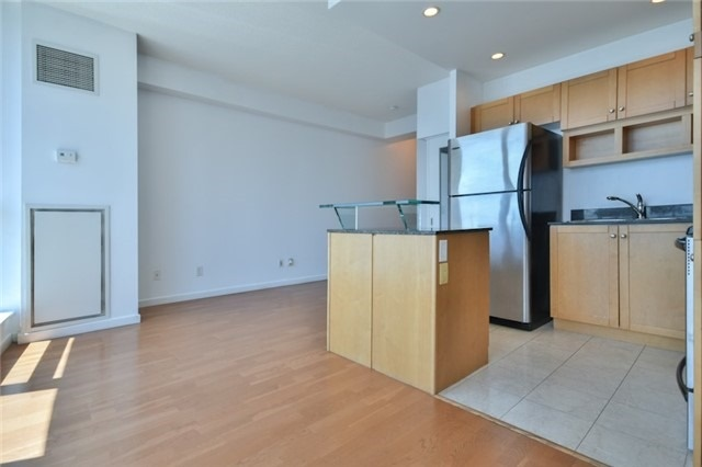 For Sale: 2904 - 208 Queens Quay , Toronto, ON | 1 Bed, 1 Bath Condo for $589,900. See 16 photos!