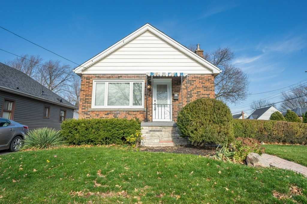 For Sale: 291 Brucedale Avenue East, Hamilton, ON | 2 Bed, 2 Bath House for $449900.00. See 32 photos!