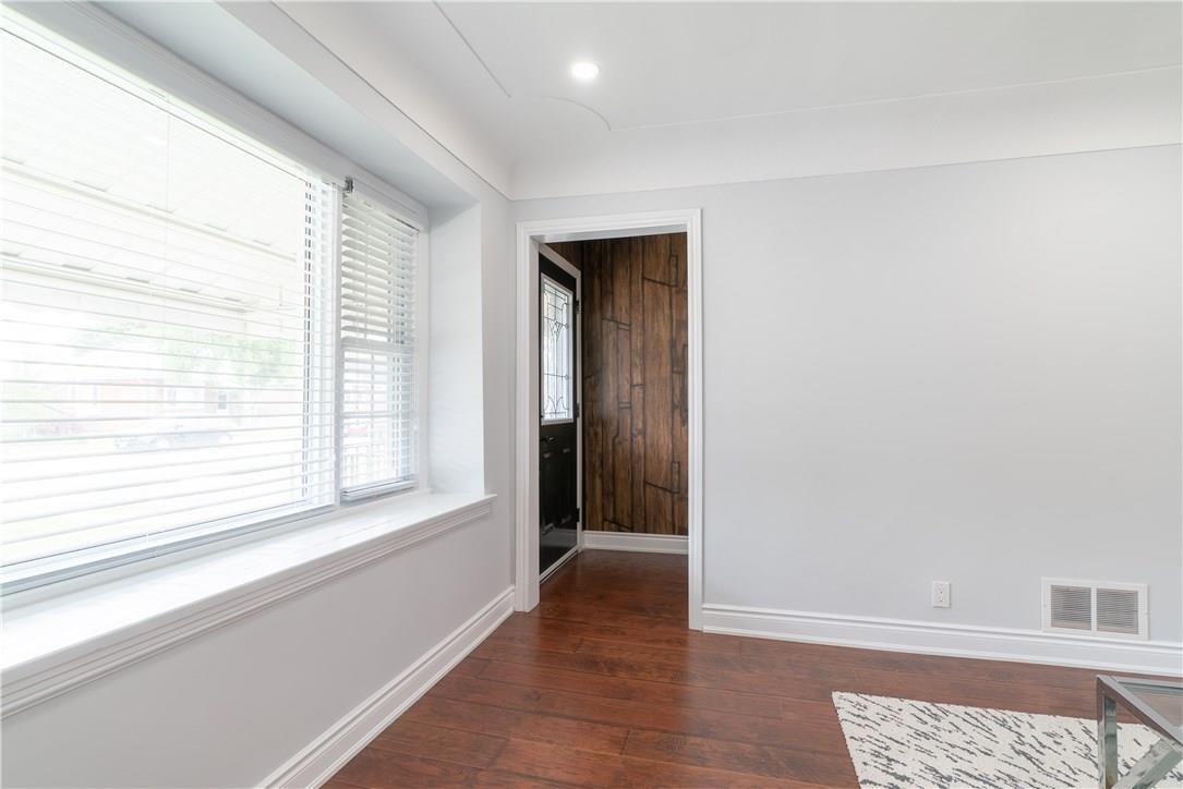 For Sale: 291 East 19th Street, Hamilton, ON | 6 Bed, 4 Bath House for $549,999. See 22 photos!