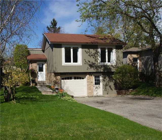For Sale: 291 Whitehead Crescent, Caledon, ON | 3 Bed, 2 Bath House for $649,000. See 16 photos!