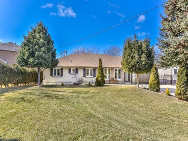 For Sale: 2916 Weston Road, Toronto, ON | 3 Bed, 2 Bath House for $1,169,000. See 20 photos!