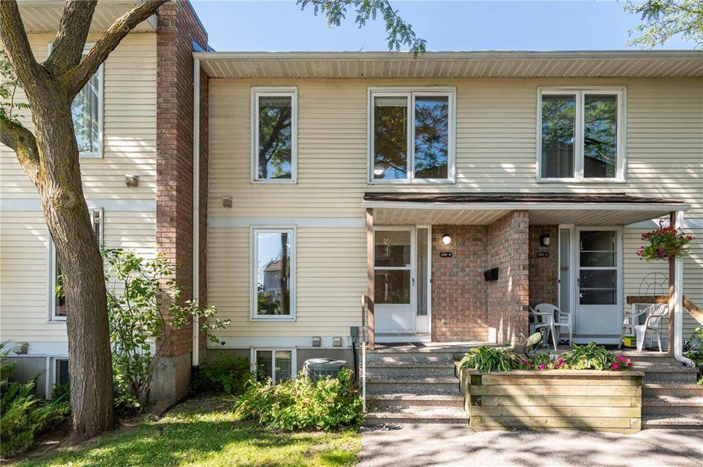 Townhouse for sale at 292 Dalehurst Dr Ottawa Ontario - MLS: 1169284