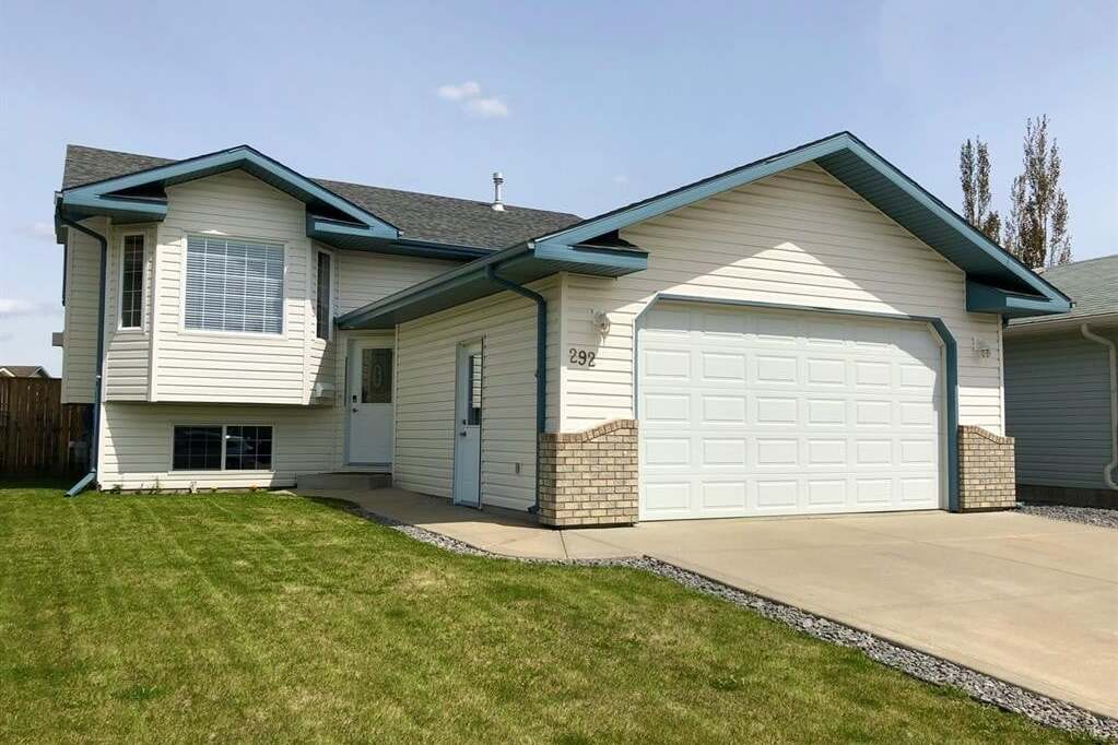 House for sale at 292 Deschner Cs Red Deer Alberta - MLS: CA0192505
