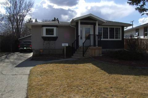 House for sale at 2920 Queen St Regina Saskatchewan - MLS: SK803201
