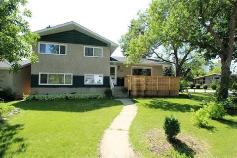 House for sale at 2923 Burgess Dr Northwest Calgary Alberta - MLS: C4258978