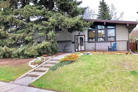 House for sale at 2924 Conrad Dr Northwest Calgary Alberta - MLS: C4273022
