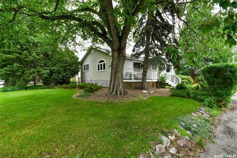 House for sale at 2930 21st Ave Regina Saskatchewan - MLS: SK777463