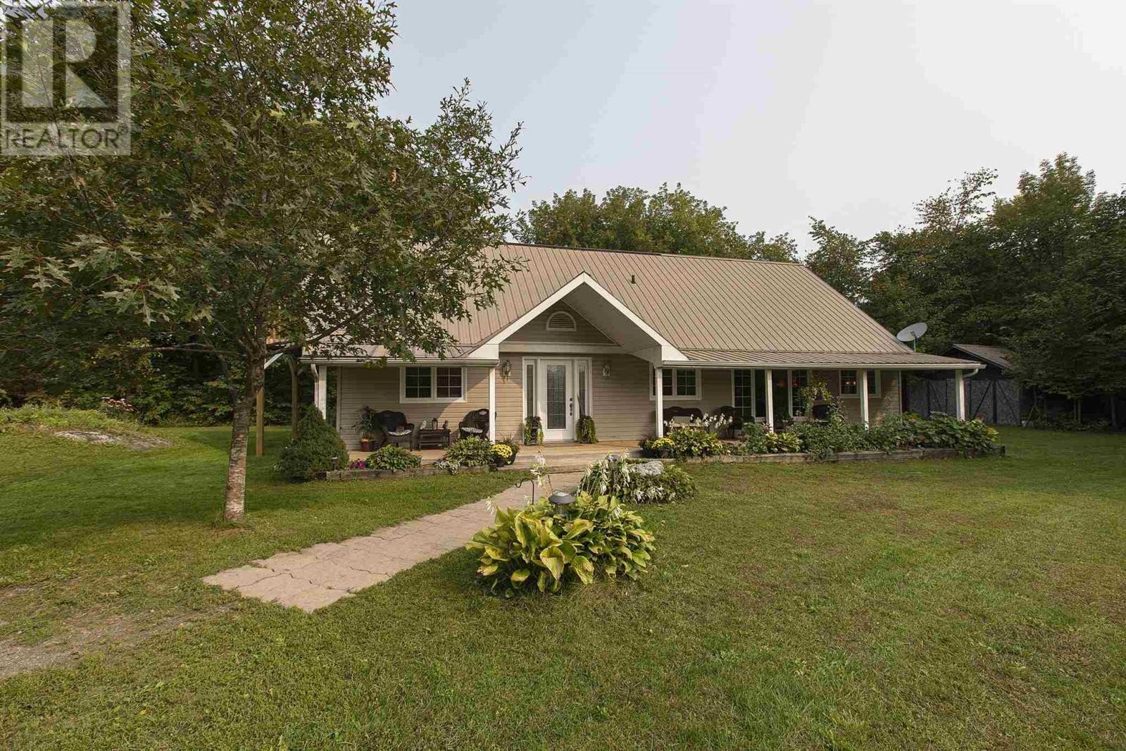 House for sale at 294 Back St Leeds And The Thousand Islands Ontario - MLS: K20005485