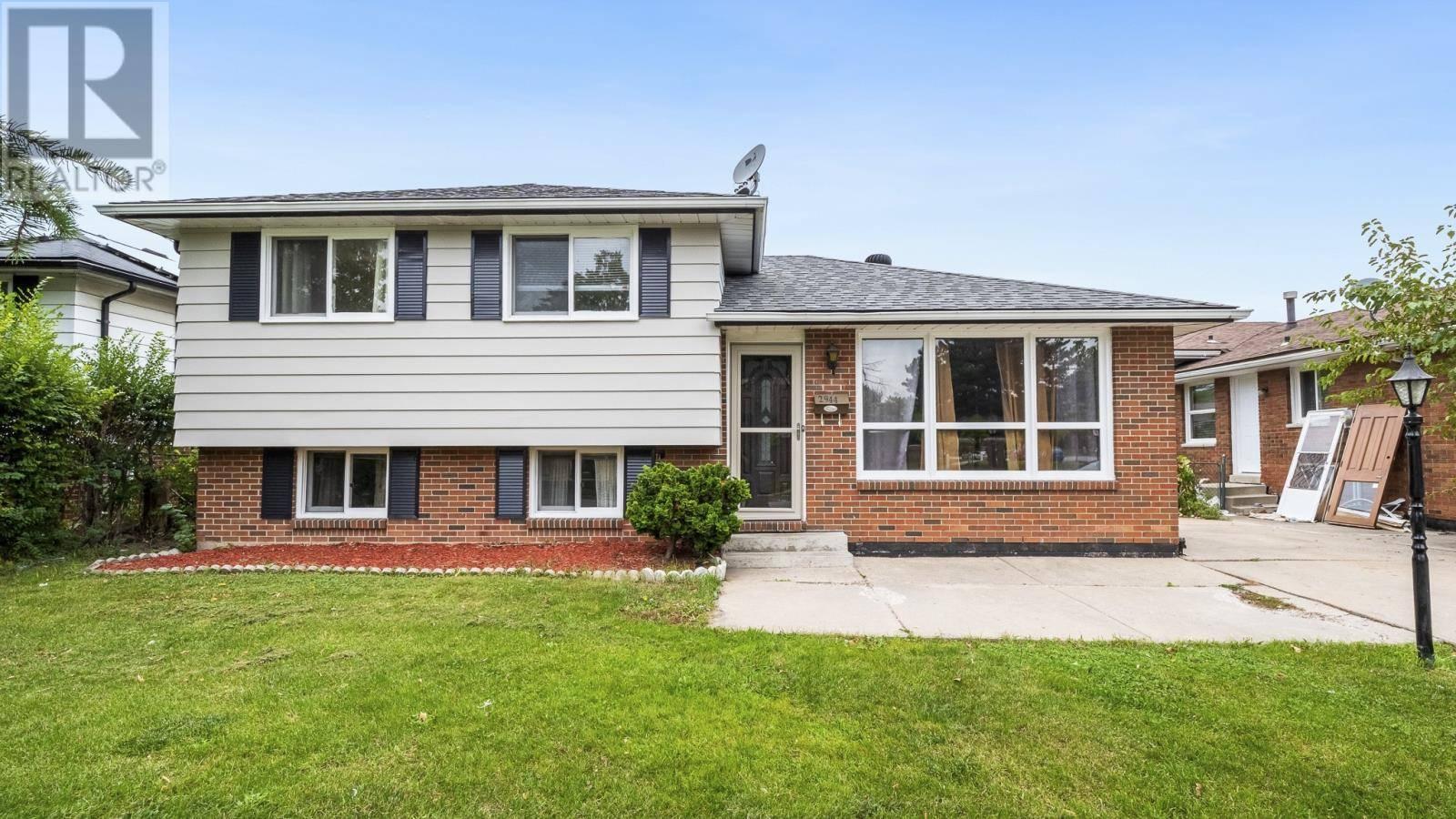 House for sale at 2944 Grandview  Windsor Ontario - MLS: 19026909