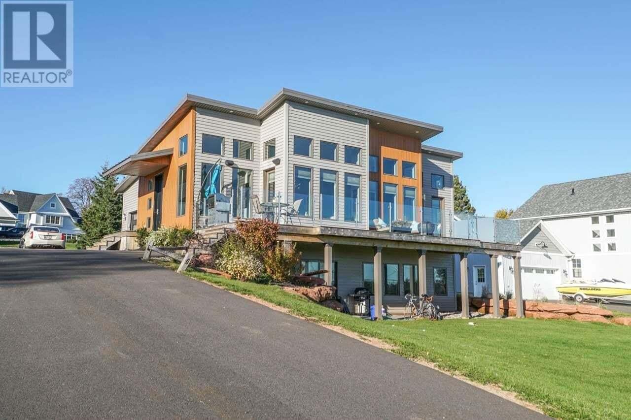House for sale at 295 Keppoch Rd Stratford Prince Edward Island - MLS: 201825729