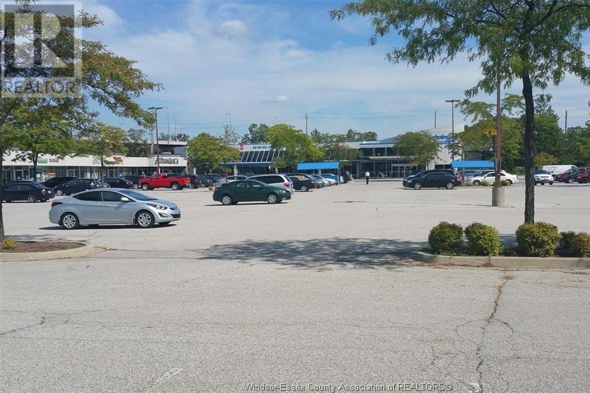 Commercial property for lease at 2950 Dougall  Windsor Ontario - MLS: 20011807