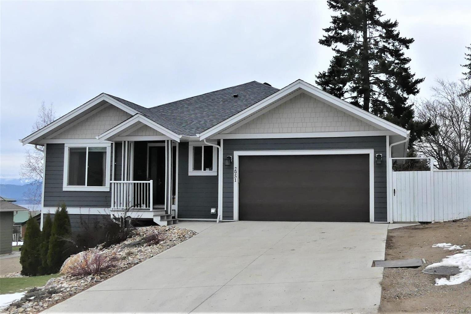 House for sale at 2951 7 Ave Northeast Salmon Arm British Columbia - MLS: 10220228