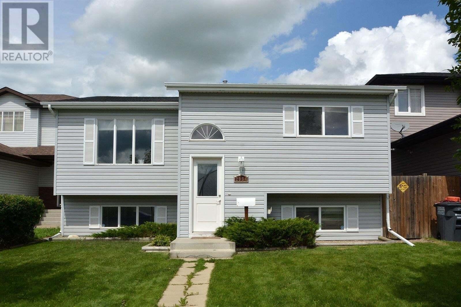 House for sale at 2954 37th St W Saskatoon Saskatchewan - MLS: SK820814