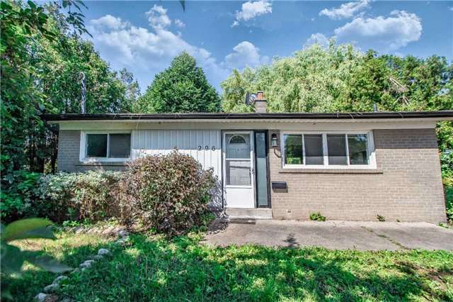 For Sale: 296 Essex Avenue, Richmond Hill, ON   2 Bed, 2 Bath House for $1,199,900. See 20 photos!