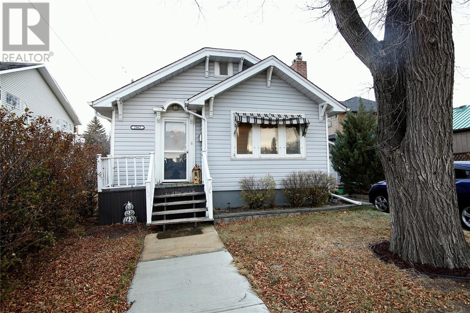 House for sale at 2965 Cameron St Regina Saskatchewan - MLS: SK831732