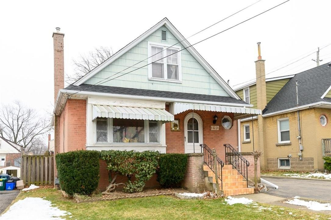 House for sale at 297 East 16th St Hamilton Ontario - MLS: H4095631