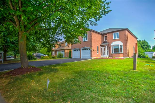 For Sale: 297 Jelly Avenue, Newmarket, ON | 5 Bed, 6 Bath House for $974,988. See 18 photos!