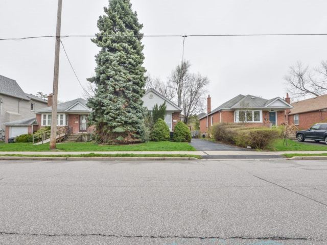 For Sale: 297 Joicey Boulevard, Toronto, ON | 3 Bed, 2 Bath House for $1,689,900. See 16 photos!