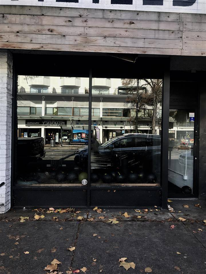 Commercial property for lease at 2976 Broadway  West Vancouver British Columbia - MLS: C8028855