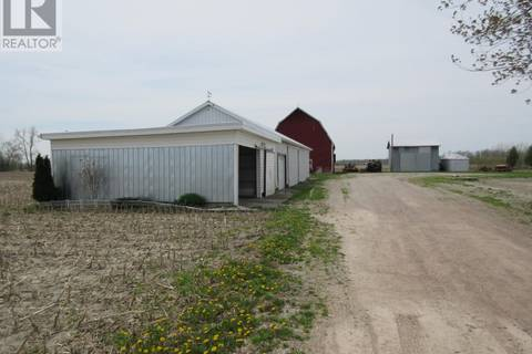Home for sale at 29796 Pond Rd Wallaceburg Ontario - MLS: 18011071