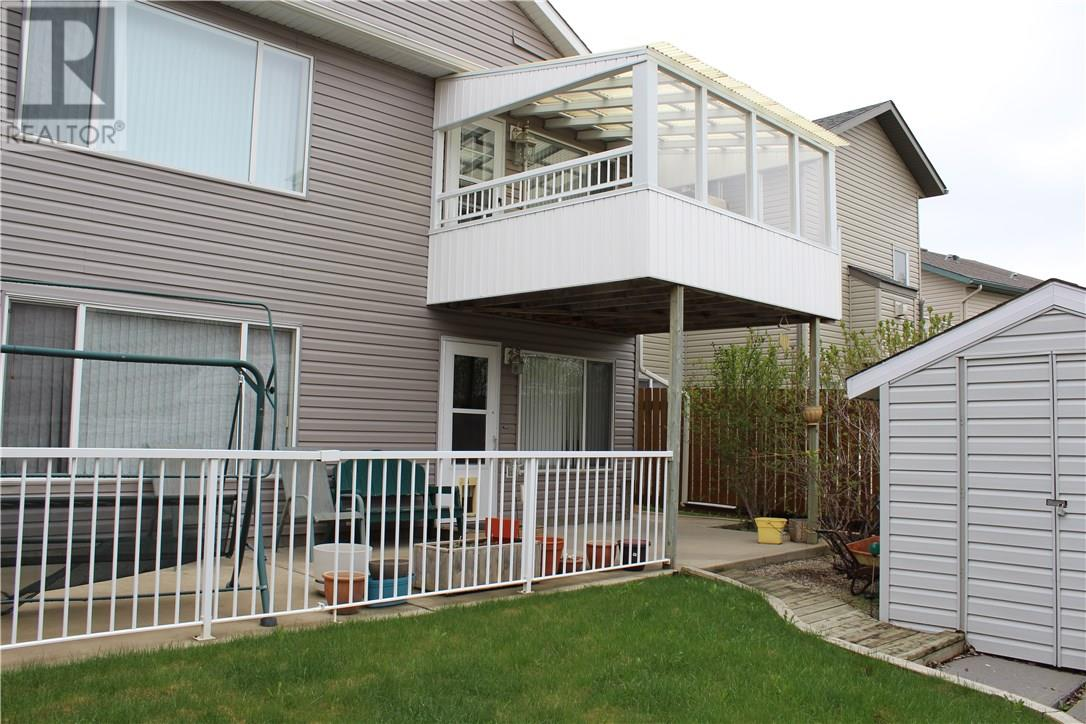 For Sale: 298 Fairmont Boulevard South, Lethbridge, AB | 3 Bed, 3 Bath House for $374,900. See 30 photos!
