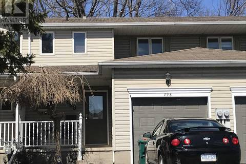 Townhouse for sale at 298 Vanguard Ct Kingston Ontario - MLS: K19001750