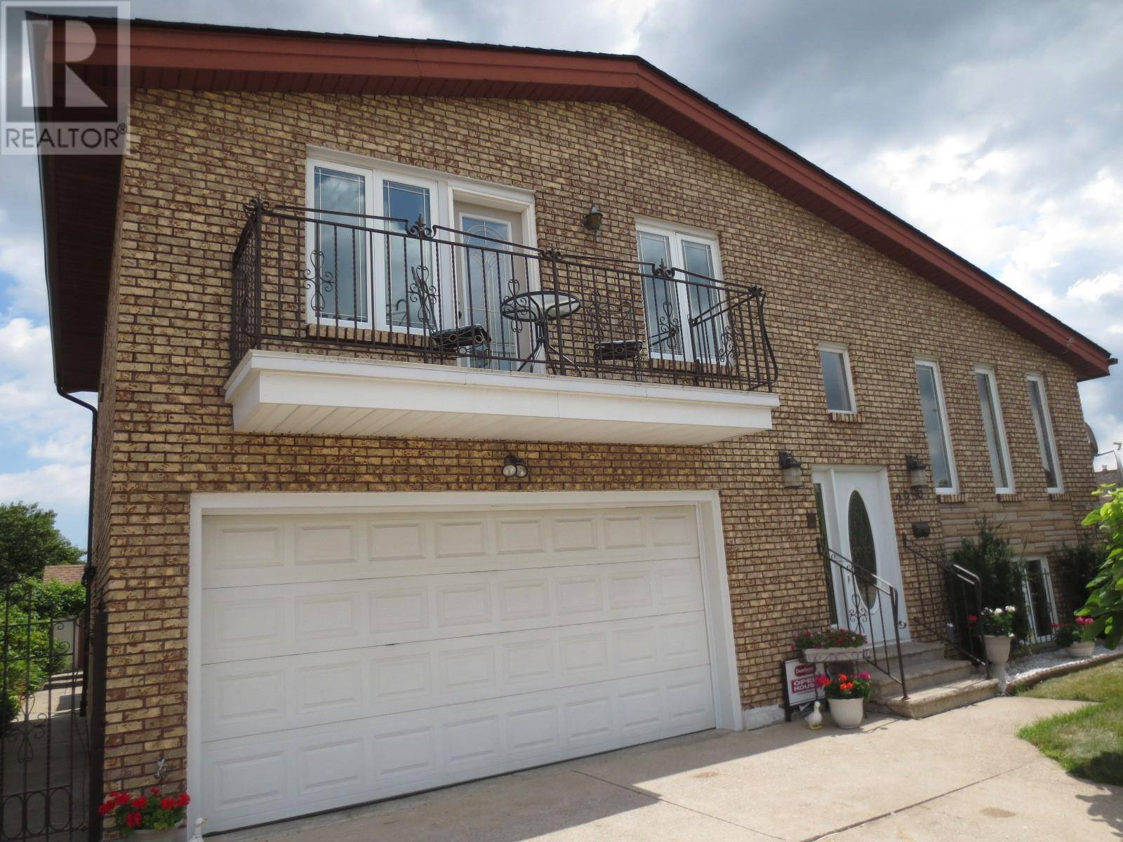House for sale at 2996 Coletta Ct Windsor Ontario - MLS: 19023492