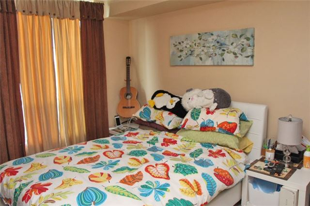 For Sale: 2a - 8 Rosebank Drive, Toronto, ON | 2 Bed, 1 Bath Condo for $409,000. See 9 photos!