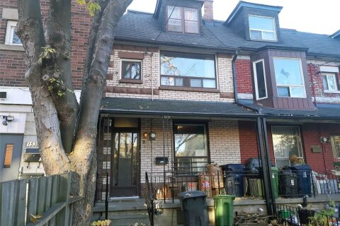 Townhouse for rent at 2 Fuller Ave Toronto Ontario - MLS: W4989299