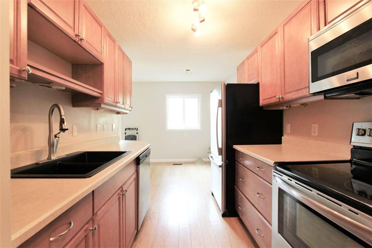 Townhouse for sale at 2 Meadowlark Vg  Nw Edmonton Alberta - MLS: E4167062